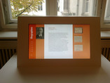 "Medienstation mit 24"" Touchmonitor"